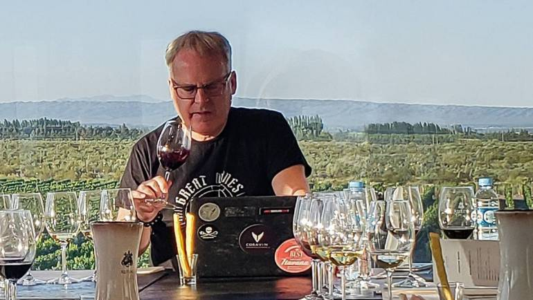 James Suckling en Rutini Wines